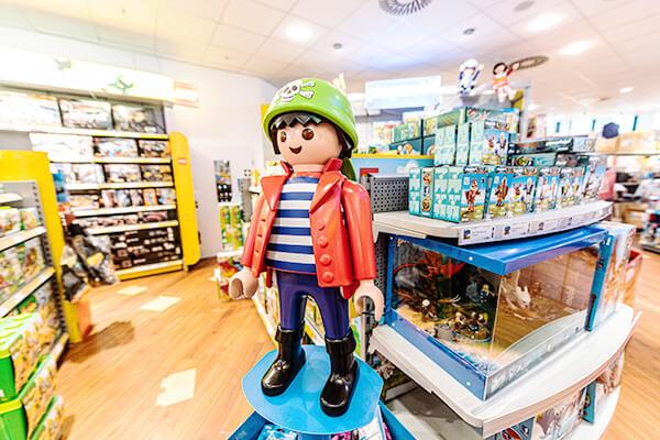 Große Playmobilfigur aus dem Shop MyToys